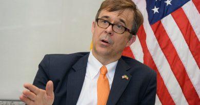 Ambasaderi wa Amerika yasabye Abanyarwanda gukomera ku muco wo kwigira
